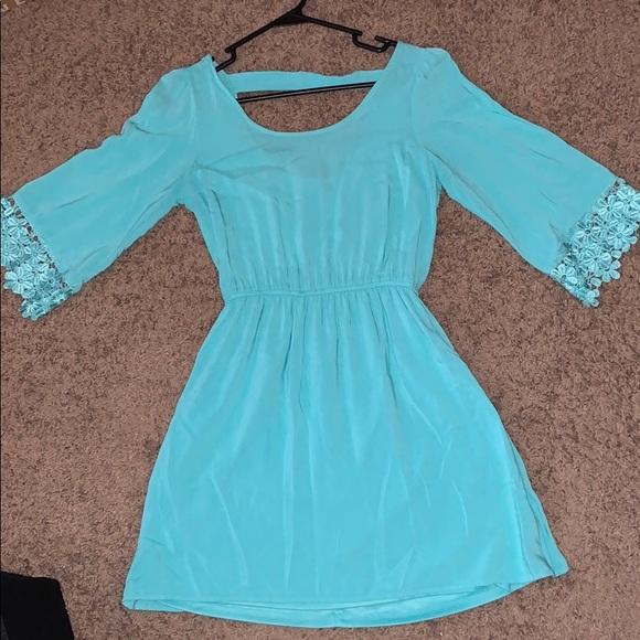 Charlotte Russe Dresses & Skirts - Midi long sleeve dress